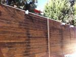 גדר עץ מבחוץ (2)